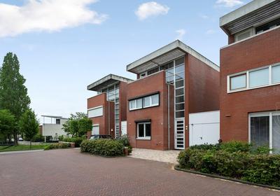Schout Van Wijngaertlaan 4 in 'S-Hertogenbosch 5237 WB