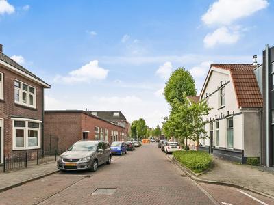 Schurinksdwarsweg 14 in Enschede 7523 AV