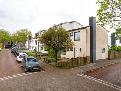 Menadostraat 15 in Vlaardingen 3131 JK