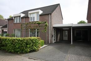 J.R. Kerkdijkstraat 3 in Vriezenveen 7671 NA