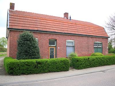 Pastoor De Bakkerstraat 70 in Achtmaal 4885 AN