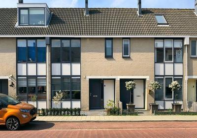 Portugalstraat 6 in Alphen Aan Den Rijn 2408 CG
