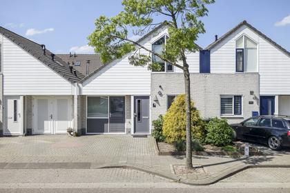 Rivierensingel 483 in Helmond 5704 KR
