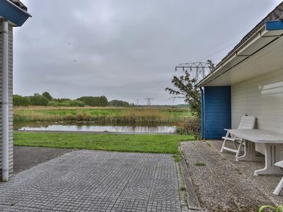 Meerwijk 23 in Midlaren 9475 TC