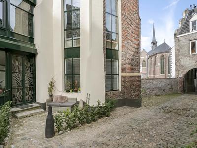 Zwartbroekstraat 1 C in Roermond 6041 JL