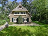 Guldenhoflaan 2 in Baarn 3743 AS