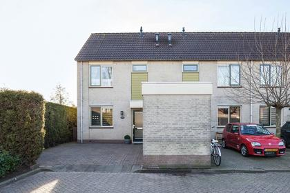 Irenestraat 16 in Zwartewaal 3238 XT