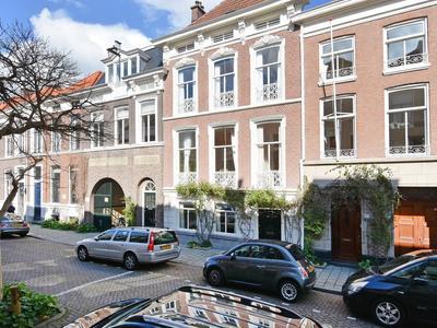 De Ruijterstraat 69 in 'S-Gravenhage 2518 AR