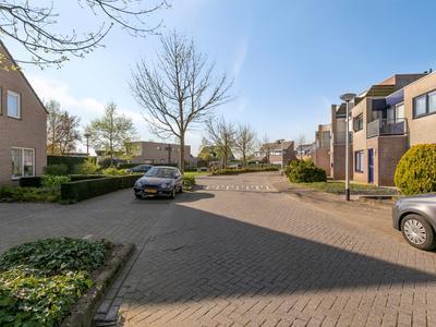 Jasmijnberg 71 in Roosendaal 4708 MN