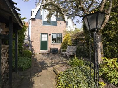 IJsseldijk-Noord 321 in Ouderkerk Aan Den IJssel 2935 CR