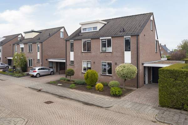 Schoutstraat 16 in Gendt 6691 JH