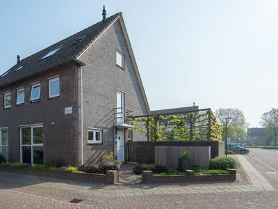 Anna Bijnsstraat 17 in Gorinchem 4207 KA