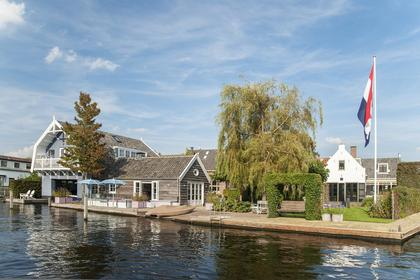 Julianalaan 30 30a 32 34 36 Kaag Kaageiland Kagerplassen Warmond boothuis Ringvaart boathouse Exclusief wonen Luxueus Bijzonder Byzonder Toonaangevend prestige object majestueus vorstelijk<BR>Huizen Grachtenpanden Appartementen onroerend goed vastgoed NSW landgoed villa villa's penthouse droomhuis droomhuizen Residence Architonic architectuur architecten architect interieur Residentie landhuis Redres boerderij Amsterdam Nederland wereldwijd internationaal huis grachtenpand appartement koetshuis financieel dagblad fd Elsevier Griekenland eiland Ibiza mikanos Frankrijk monument erfgoed makelaar makelaardij zwembad tuin dakterras Quote Esquire lift balkon open haard kantoor gastenverblijf garage huismeester den haag Rotterdam Hilversum verhuur lokatie vliegveld dichtbij Jim Reerink Marianne Joanknecht kunst klassiek modern nieuwbouw fotografie foto uniek uitzicht vastgoedpro nvm funda adembenemend mooi kwaliteit Valeriusplein Valerius de jong groep REB Afora duurzaam<BR>Prestigious living majestic exclusive Luxury homes townhouses home townhouse apartment apartments property land estate residence extraordinary Sotheby's Christie's real estate realty interior decoration international R365 Netherlands canal house houseboat mansion country life financial times worldwide barn global city listings for sale island Greece ibiza Mallorca France swimming pool garden sauna fitness roof terrace broker heritage urban landscape residency royal comfort elevator balcony fire place office au pair guesthouse forest lake privacy international school airport connection transport near to close video drone photography picture Palace Centre turnkey splendid view breathtaking dream beautiful hospitality service premium quality sophisticate design high-end sustainable designer architects boffi egenstill gaggenau bulthaup modular arclinea parking