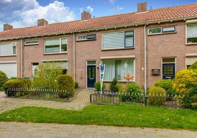Prinses Beatrixstraat 17 in Fijnaart 4793 CV