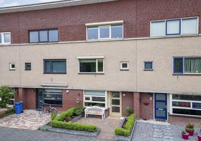 Zwanenbloem 54 in Zwolle 8043 NG