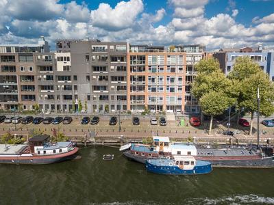 Javakade 82 in Amsterdam 1019 RV