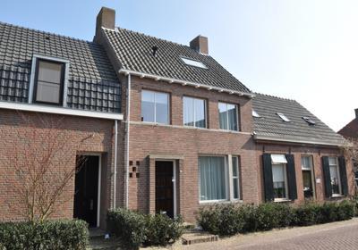 Dr Van Wamelstraat 7 in Oirschot 5688 EB