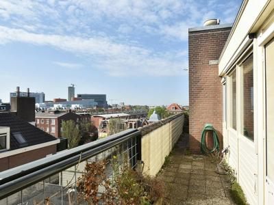 Johan Van Oldenbarneveltlaan 25 K in 'S-Gravenhage 2582 NH