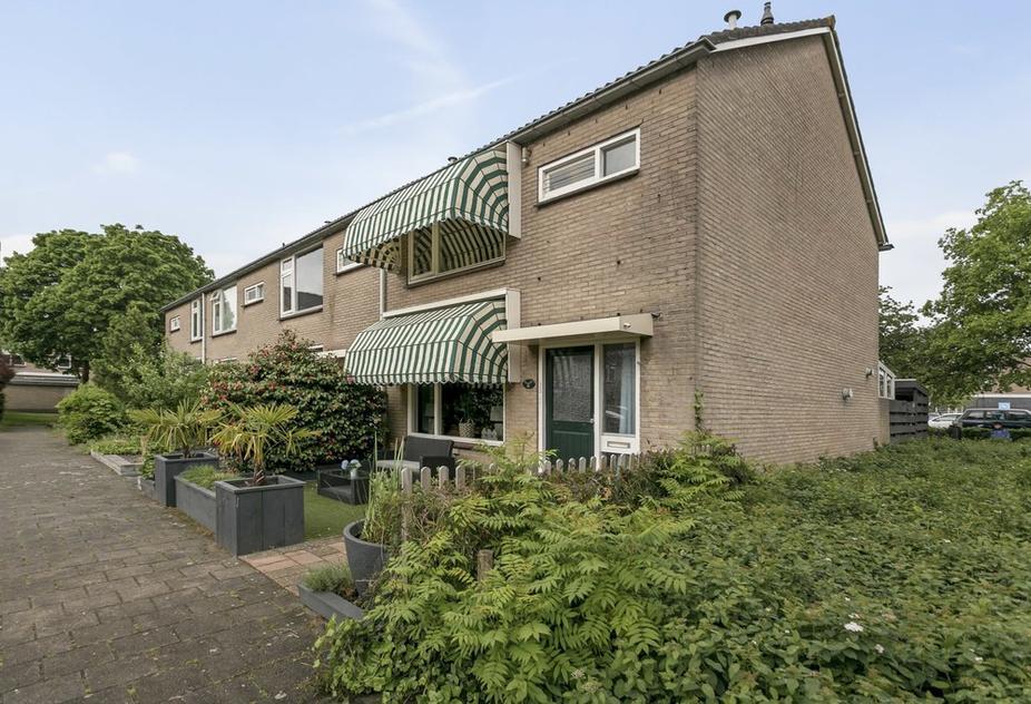 Lutherhof 80 in Hilversum 1216 KT