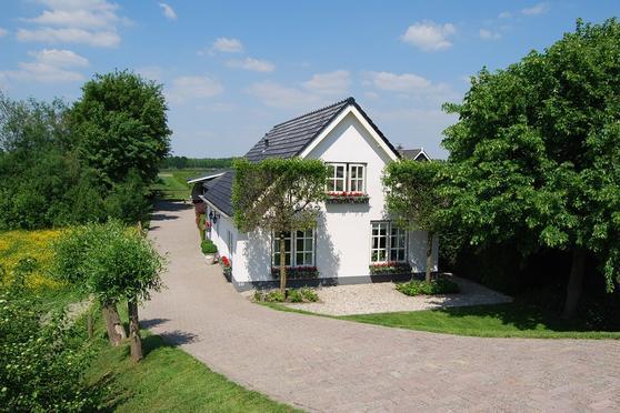 Maasdijk 10 in Nederhemert 5317 KR