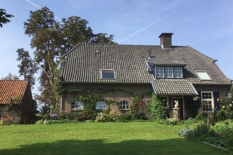 Randwijkse Rijndijk 30 in Randwijk 6668 LM