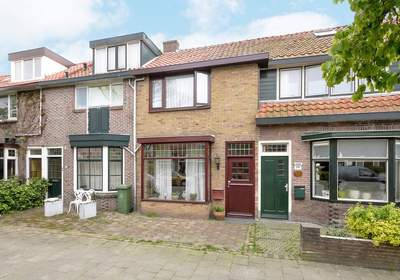 H.A. Lorentzstraat 220 in Den Helder 1782 JR