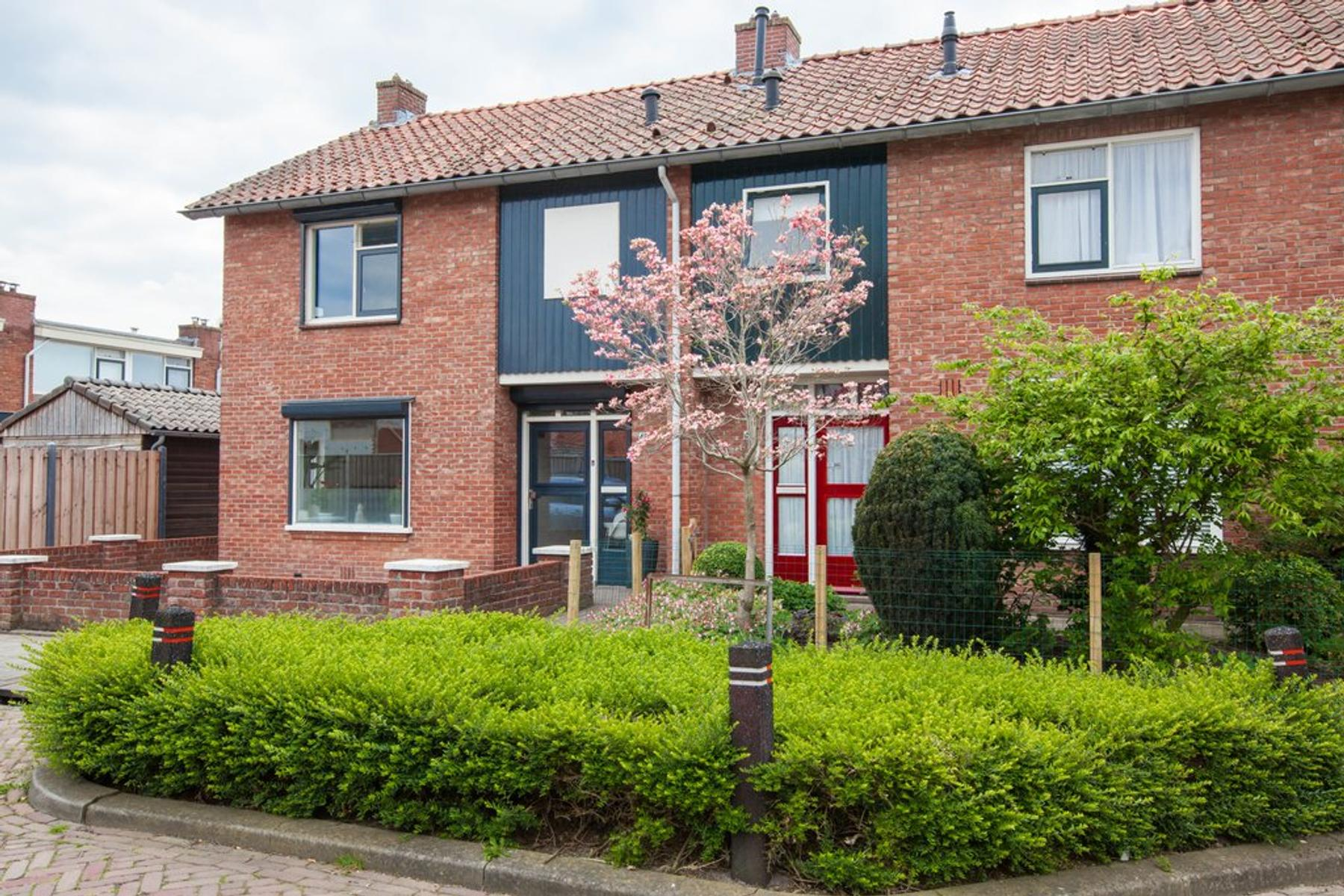 Elzenstraat 48 in Winterswijk 7101 TT