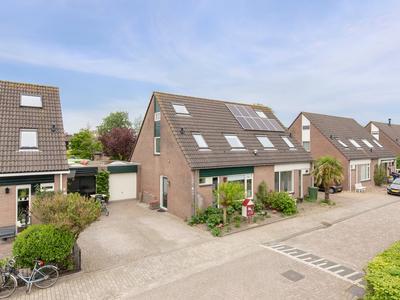 Utrechthof 12 in Almere 1324 PB
