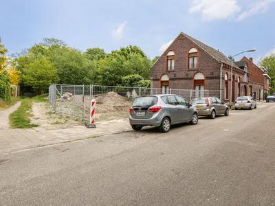 Parallelweg 42 in Venlo 5913 TL