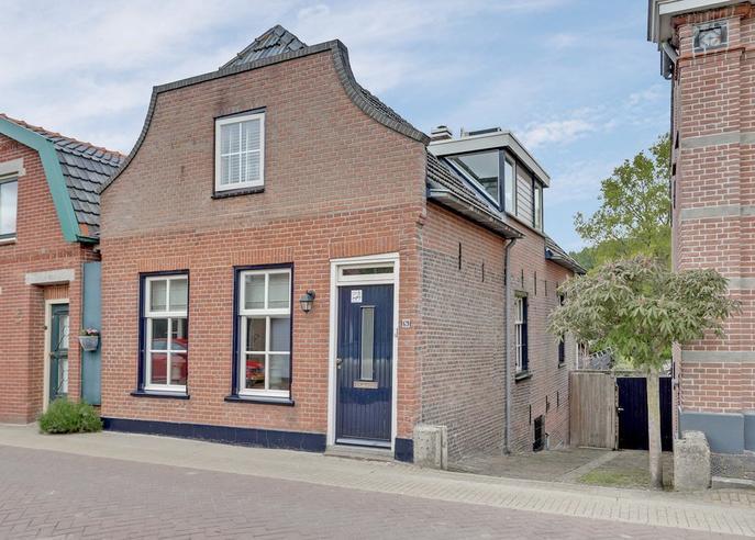 Buitendijk 69 in Hank 4273 GE