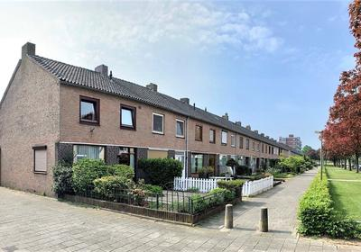 Lagemorgenlaan 60 in 'S-Hertogenbosch 5223 HX