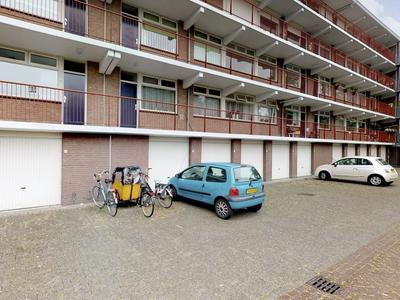 Ravelijn 88 in Geertruidenberg 4931 VK