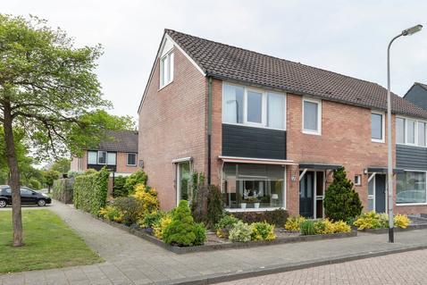 Schneiderstraat 56 in Hengelo 7555 LS