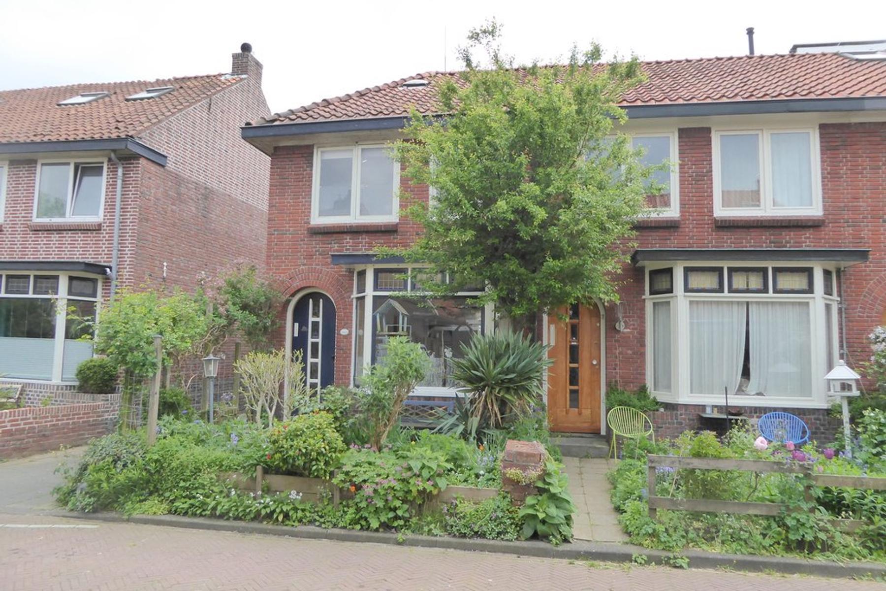 Van De Veldestraat 5 in Leeuwarden 8932 KX