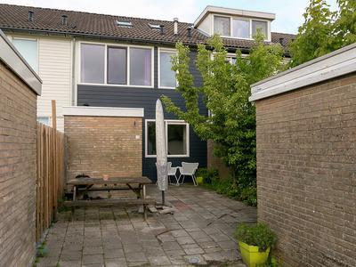 Poortkampen 12 in Zuidhorn 9801 JA