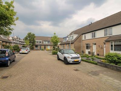 Van Herlaerstraat 5 in Vlijmen 5251 MG
