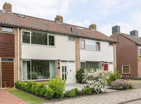 Anemonenstraat 9 in Roelofarendsveen 2371 GM