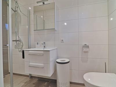 29 badkamer mantelzorgruimte