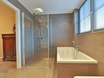 42 de badkamer