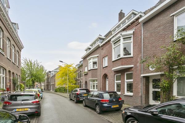 Papenweg 35 in Maastricht 6212 CC