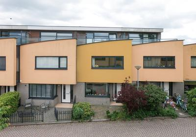 Gijsbertje Louffhof 13 in Weesp 1382 MG
