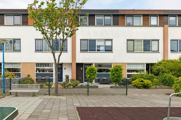 Plevierstraat 48 in Maassluis 3145 CR