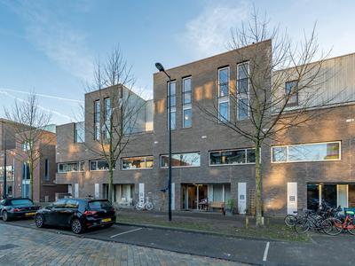 Zwanebloemlaan 214 in Amsterdam 1087 GD