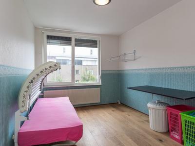 Nienke Van Hichtumstraat 69 in Hoofddorp 2135 RM