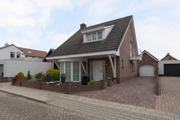 Bartokstraat 12 in St. Willebrord 4711 BC
