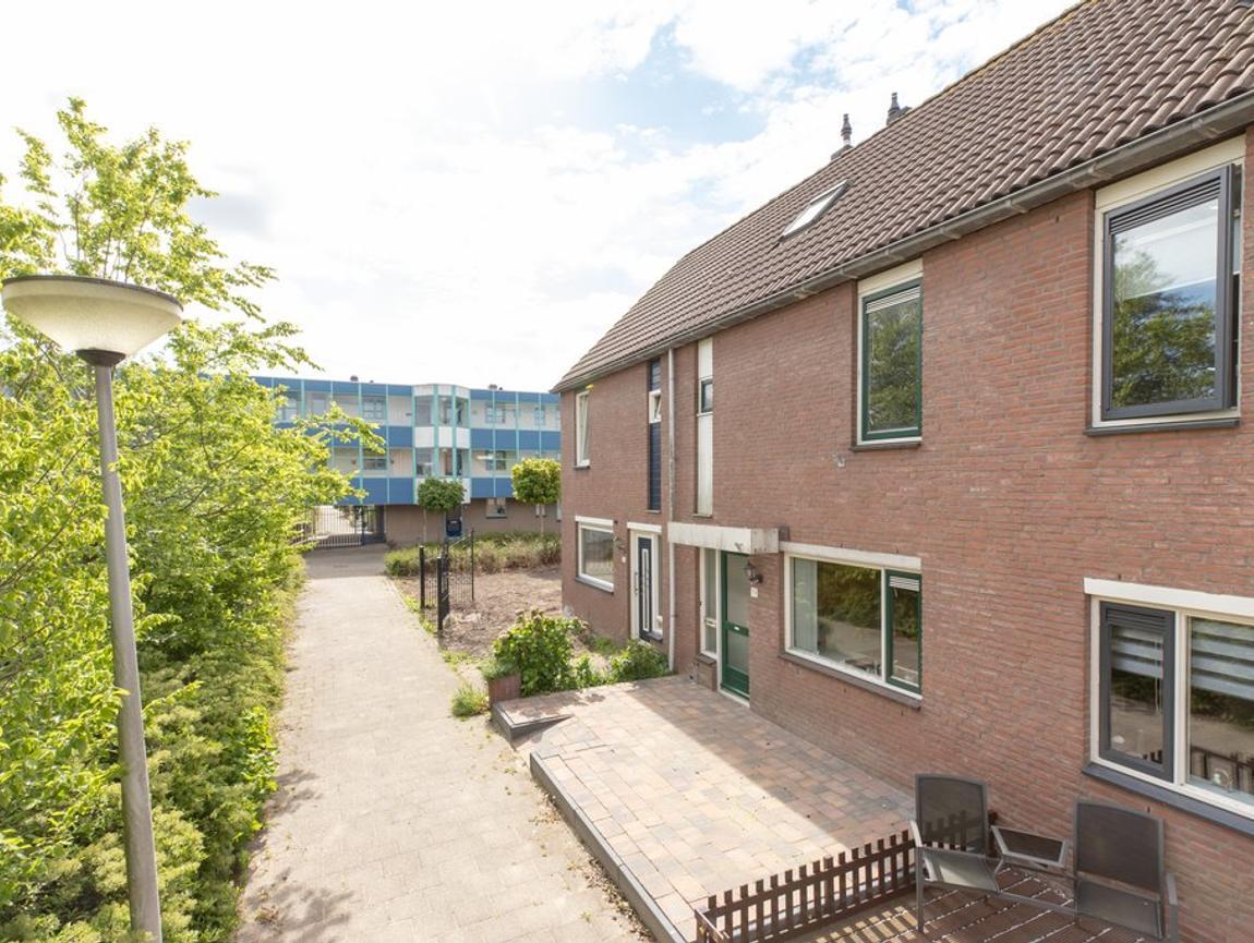 Cannenburchstraat 19 in Hellevoetsluis 3223 VC