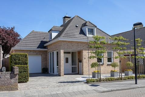 Wielerbaan 21 in Oudenbosch 4731 NV