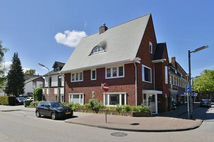 Stationsplein 10 in Bussum 1404 AM