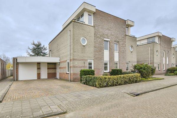 Torenburg 14 in Hoofddorp 2135 BK
