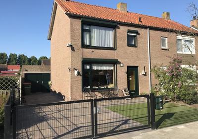 Edvard Griegstraat 12 in Fijnaart 4793 GP